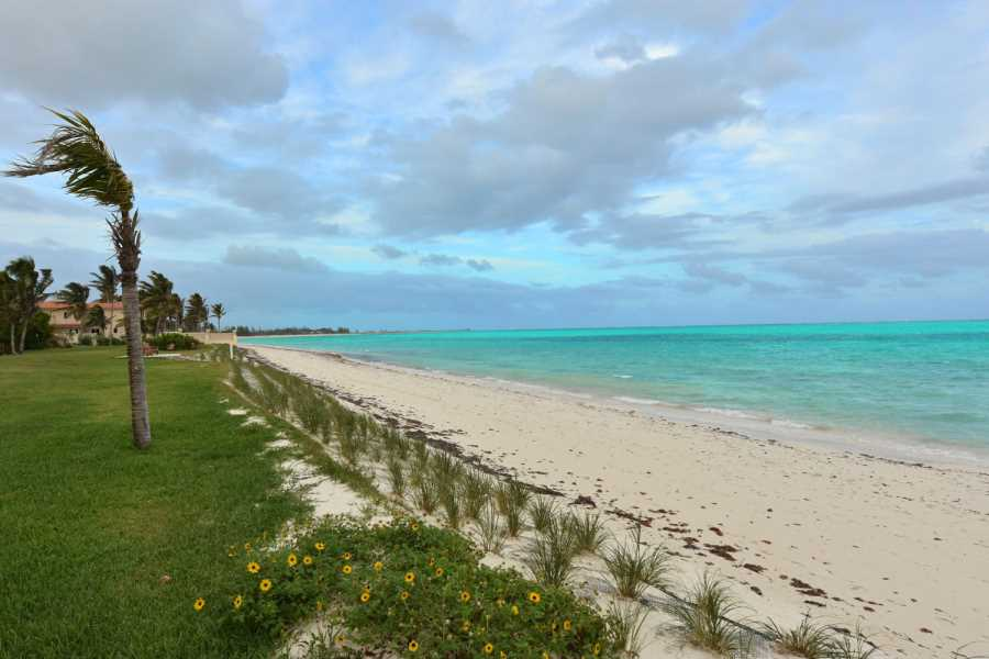 RE/MAX real estate, Bahamas, Freeport, FIVE BEDROOM OCEAN VIEW HOME