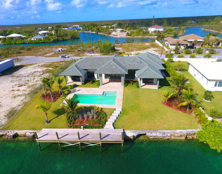 RE/MAX real estate, Bahamas, Bahamia, AWESOME EXECUTIVE CANAL FRONT VILLA