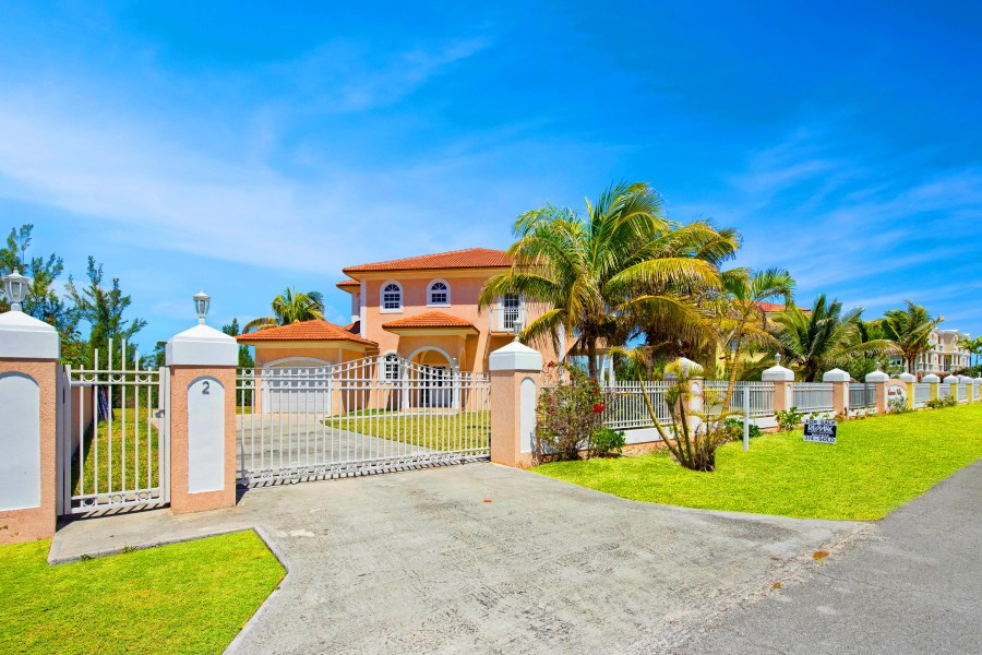 RE/MAX real estate, Bahamas, Fortune Bay, BEACHFRONT FOUR BEDROOM HOME