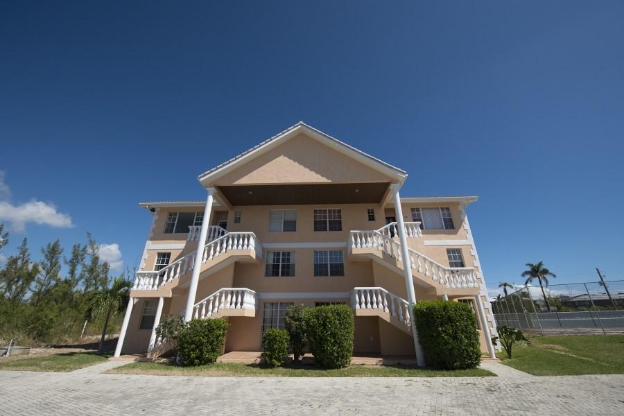 RE/MAX real estate, Bahamas, Bahamia, H4 Waters edge