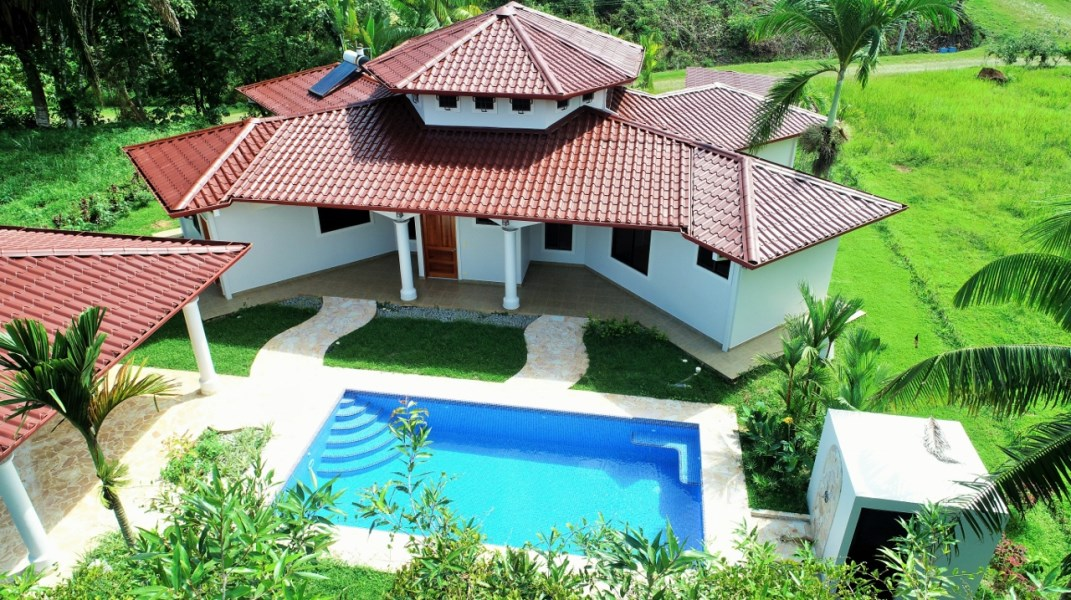 Remax real estate, Costa Rica, Chontales, Beautiful 3 bedroom home in a planned, gated community.
