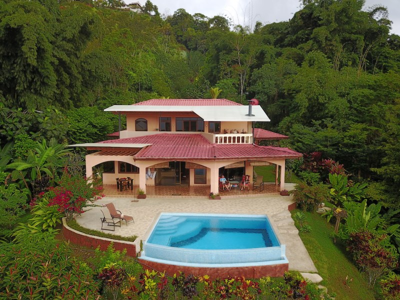 Remax real estate, Costa Rica, Tinamastes de Perez Zeledón , Tinamastes, Creek with waterfall, Ocean sunsets, huge valley view, infinity pool.