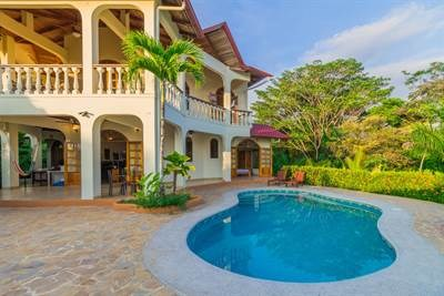 Remax real estate, Costa Rica, Ojochal, Gorgeous ocean and jungle views over Playa Tortuga in Ojochal! 4 bed, 3 bath, plus building lot!