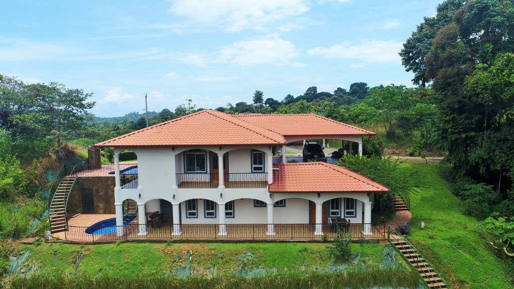 Remax real estate, Costa Rica, Ojochal, WANT TO MAKE MONEY? BED AND BREAKFAST with additional up/down duplex.