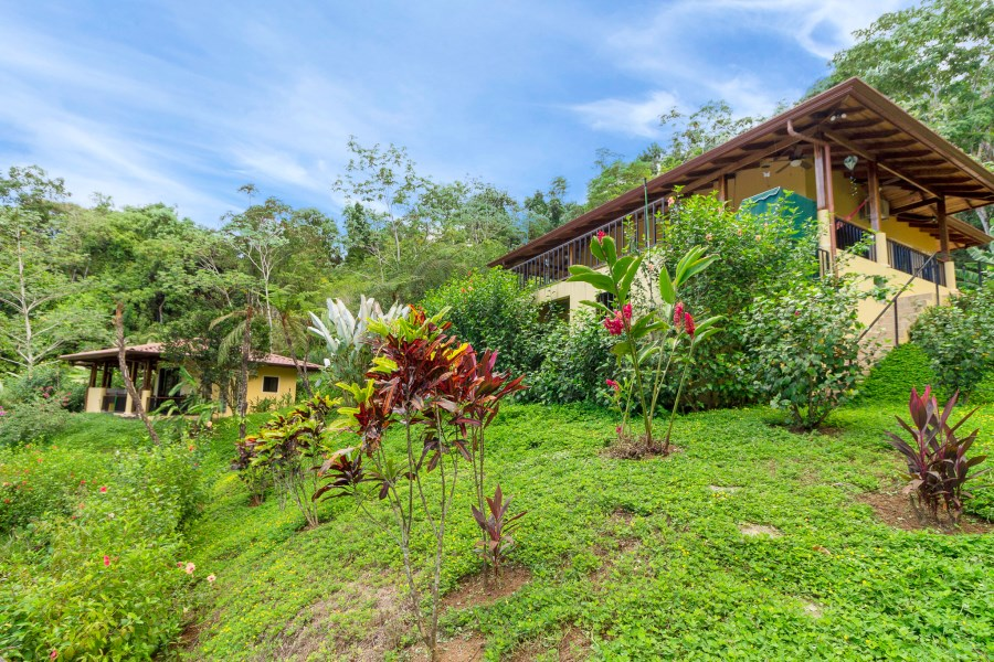 Remax real estate, Costa Rica, Ojochal, Beautiful ocean view home in Phase 4 of Ojochal with casita and additional plantel for building!
