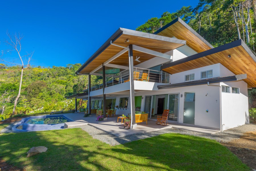 Remax real estate, Costa Rica, Uvita, Casa Oktara, Luxury 5 BR Home with Whales Tail View
