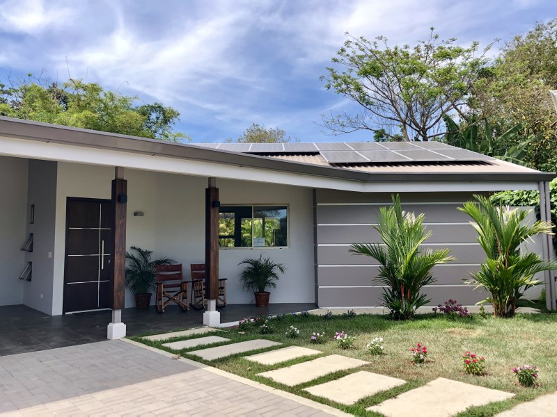Remax real estate, Costa Rica, Uvita, NEW SOLAR HOME WITH WALK TO THE BEACH LOCATION – 0.21 ACRES