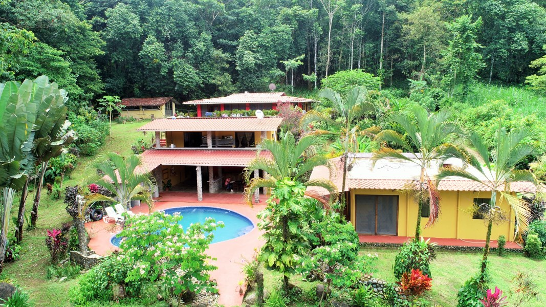 Remax real estate, Costa Rica, Tres Rios, House with heart shape pool and cabins in paradise