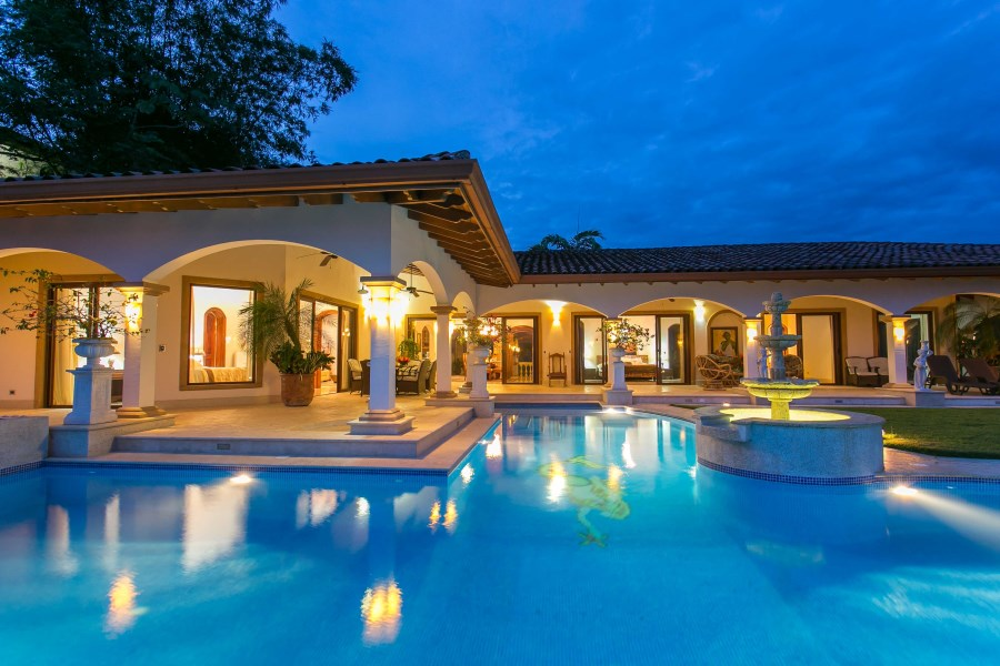 Remax real estate, Costa Rica, Ojochal, Luxurious Villa with breathtaking ocean views