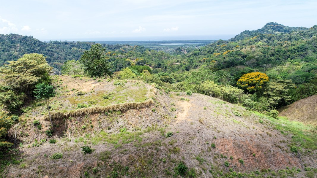 Remax real estate, Costa Rica, Tres Rios, 5 ACRE PROPERTY WITH LEGAL WATER RIGHTS