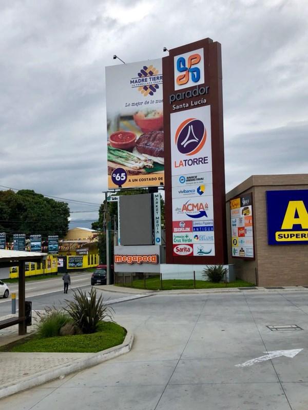 Remax real estate, Guatemala, Santa Lucía Milpas Altas, LOCAL IN RENT IN C.C. THE PARADOR SANTA LUCIA MILPAS ALTAS USD $ 971.04 AREA: 51 m2