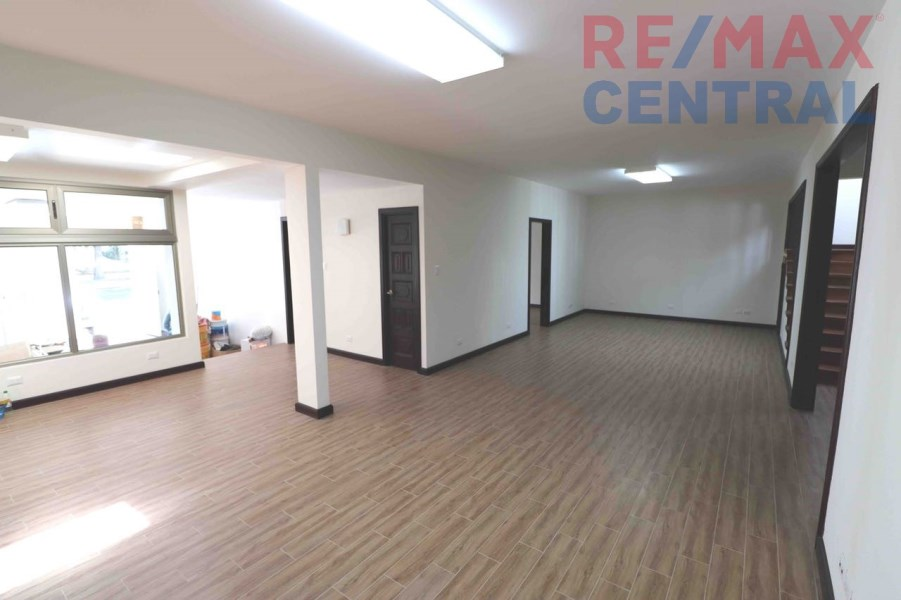 Remax real estate, Guatemala, Zona 13, NEW HOUSE FOR OFFICES FOR RENT ON AVENUE LAS AMERICAS