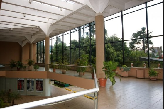 Remax real estate, Guatemala, Zona 10, Beautiful office for rent level 6 zone 10