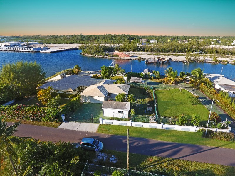 RE/MAX real estate, Bahamas, Coral Harbour, 316 FT OF WATERFRONT FOUR BEDROOM CORAL HARBOUR NASSAU BAHAMAS