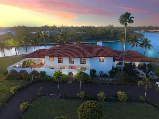 RE/MAX real estate, Bahamas, Lucaya, PINE BAY VILLA