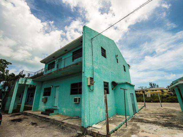 RE/MAX real estate, Bahamas, Prince Charles Drive, NASSAU EAST 2 BR CONDO