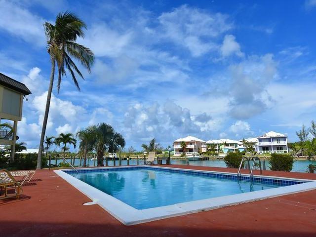 RE/MAX real estate, Bahamas, Bahamia, CANALFRONT 2 BR TOWNHOUSE