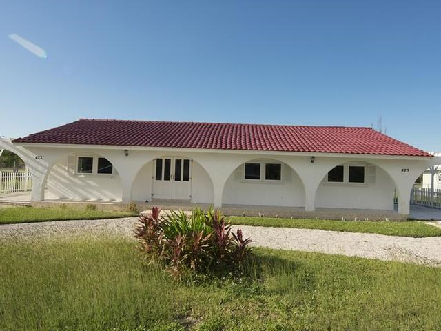 RE/MAX real estate, Bahamas, Freeport, THE RIDGE 3 BR WITH POOL