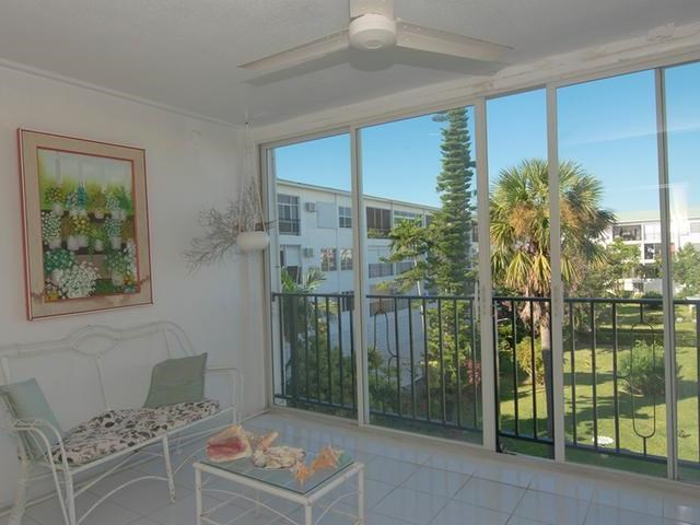 RE/MAX real estate, Bahamas, Freeport, AWESOME 2 BR JANSEL COURT