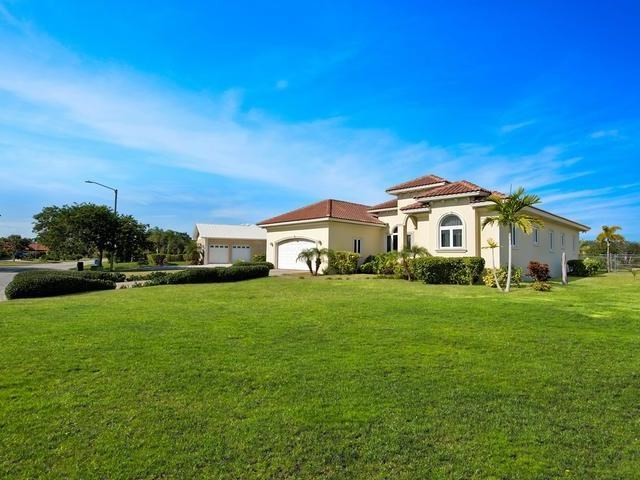 RE/MAX real estate, Bahamas, Bahamia, WELL APPOINTED VILLA/HOME