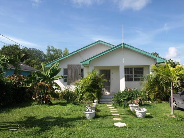 RE/MAX real estate, Bahamas, Carmichael Road, CARROLS COVE HOME