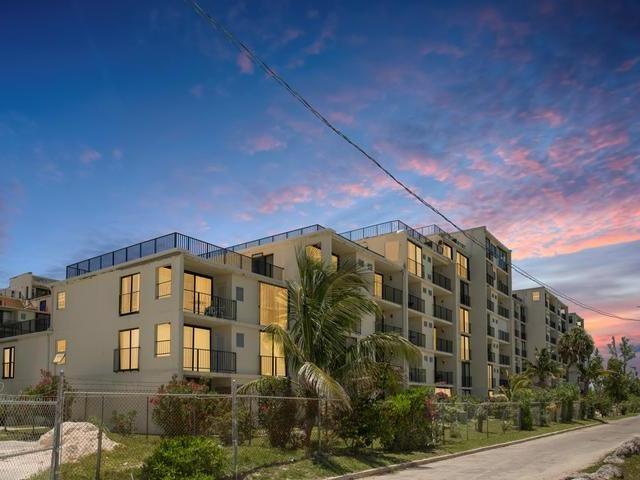 RE/MAX real estate, Bahamas, Lucaya, CORAL BEACH STUDIO