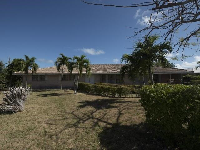 RE/MAX real estate, Bahamas, Lucaya, RIDGE FOUR BEDROOM