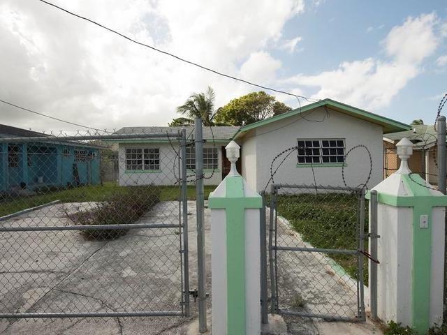 RE/MAX real estate, Bahamas, Nassau, THREE  BR SUNSHINE PARK