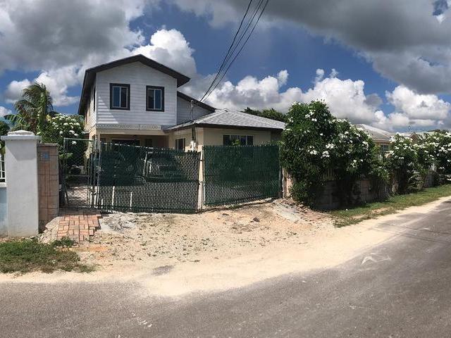 RE/MAX real estate, Bahamas, Carmichael Road, BOATSWAIN HILLS HOME