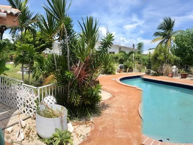 RE/MAX real estate, Bahamas, Lucaya, 4 BR HOME LUCAYA