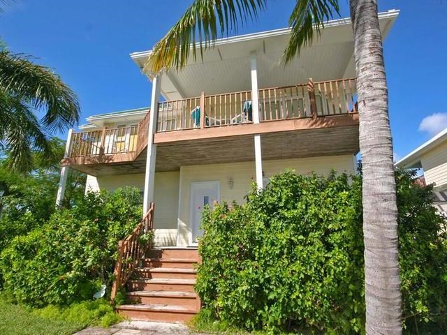 RE/MAX real estate, Bahamas, Lucaya, FORTUNE BEACH HOME