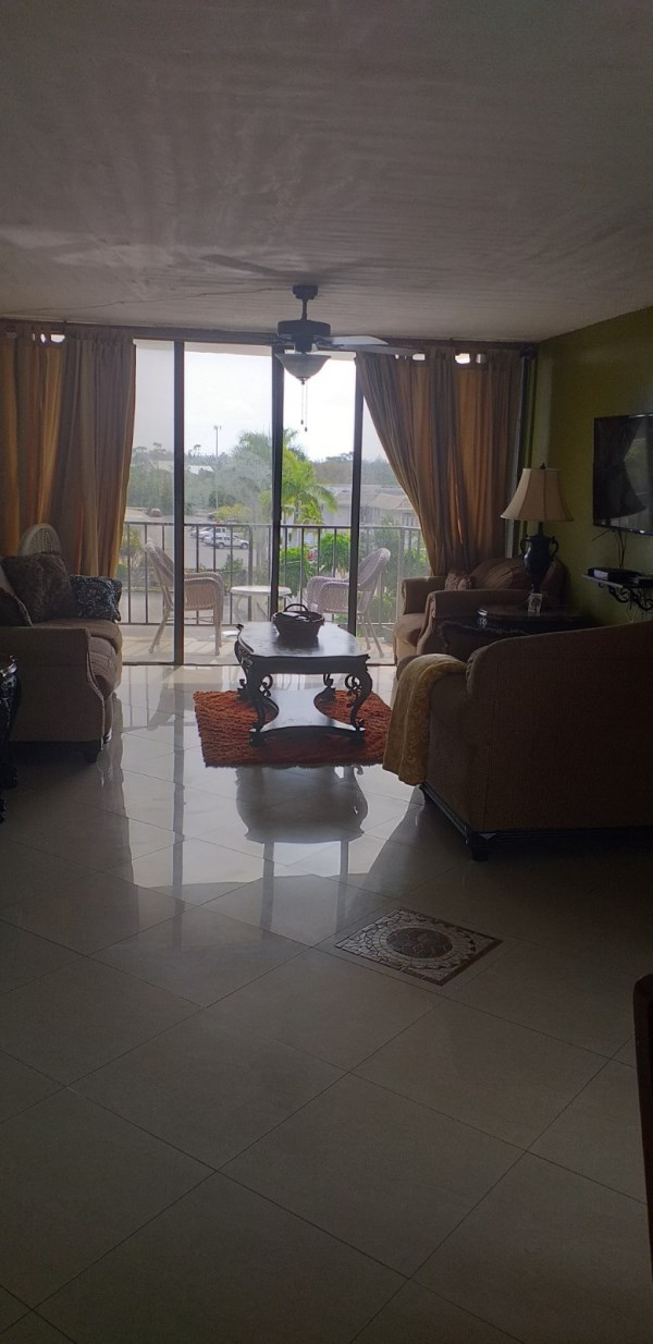 RE/MAX real estate, Bahamas, Lucaya, WELL APPOINTED CONDO