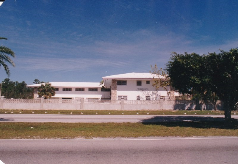 RE/MAX real estate, Bahamas, Lucaya, Income Property - Watergate Apartments