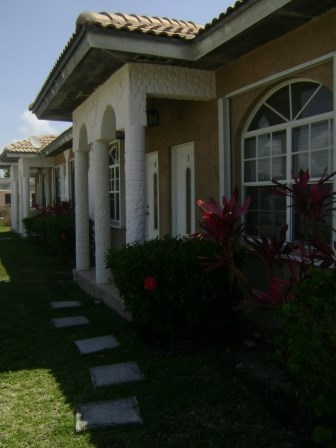 RE/MAX real estate, Bahamas, Freeport, Bahama Terrace 6 Plex