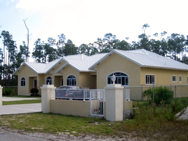 RE/MAX real estate, Bahamas, Freeport, Tri-Plex In Sentinel Bay