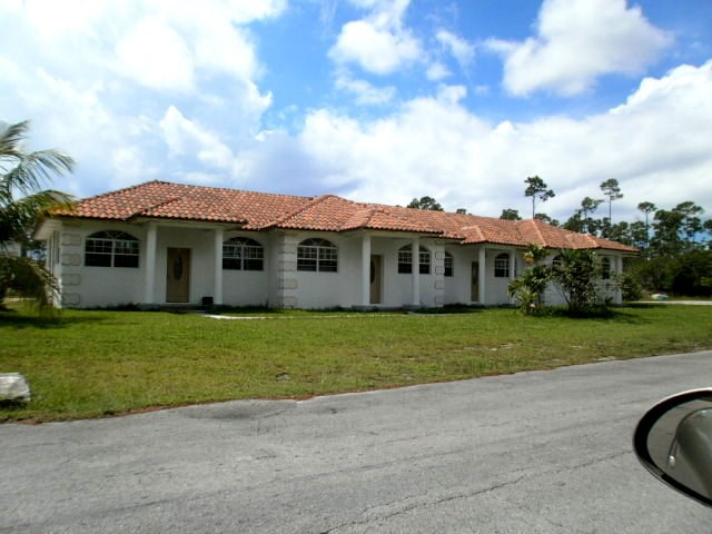 RE/MAX real estate, Bahamas, Bahamia, Bahamia 4-plex