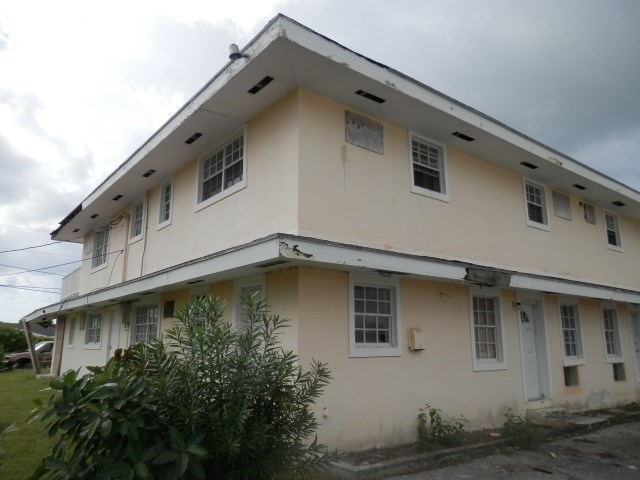 RE/MAX real estate, Bahamas, Caravel Beach, 2 SIX-PLEX UNITS IN CARAVEL BEACH