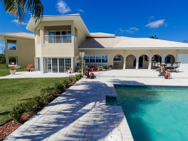 RE/MAX real estate, Bahamas, Freeport, FIVE BEDROOM COLONY BAY HOME