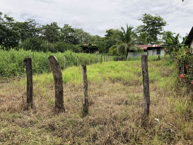 Remax real estate, Costa Rica, Parrita, Property of 250 m2 for sale, close to the beach, very good price