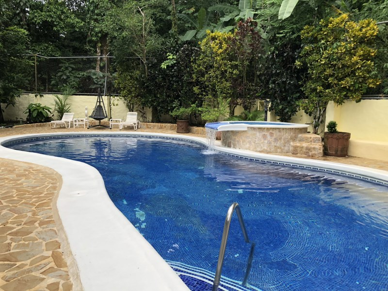 Remax real estate, Costa Rica, Quepos, Small but beautiful and successfull hotel for sale in Quepos / Manuel Antonio