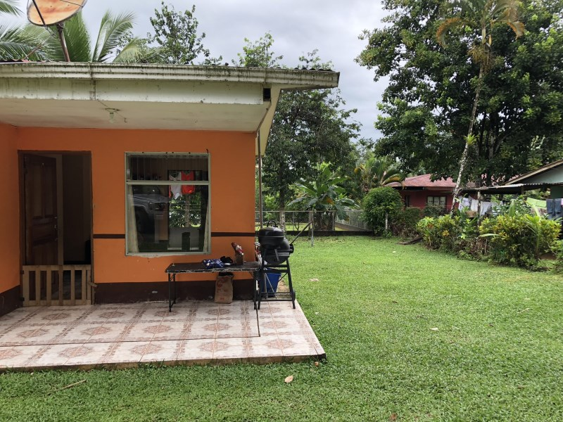 Remax real estate, Costa Rica, Quepos, House for sale with large property in Villa Nueva, Naranjito