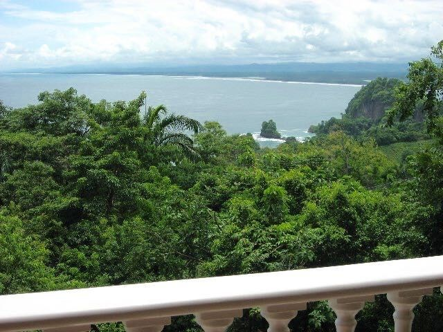 Remax real estate, Costa Rica, Manuel Antonio, Manuel Antonio: Luxury and romantic condominium for sale at Colonial Pacifico, Suite # 1N