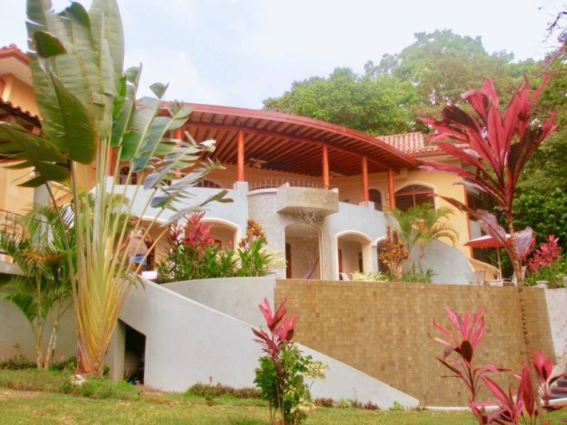 Remax real estate, Costa Rica, Manuel Antonio, Manuel Antonio: Valuable large estate home for sale in a tranquil setting
