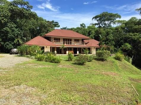 Remax real estate, Costa Rica, Naranjito, Casa Tranquilla: 6 hectar oasis in the mountains near Quepos/Manuel Antonio