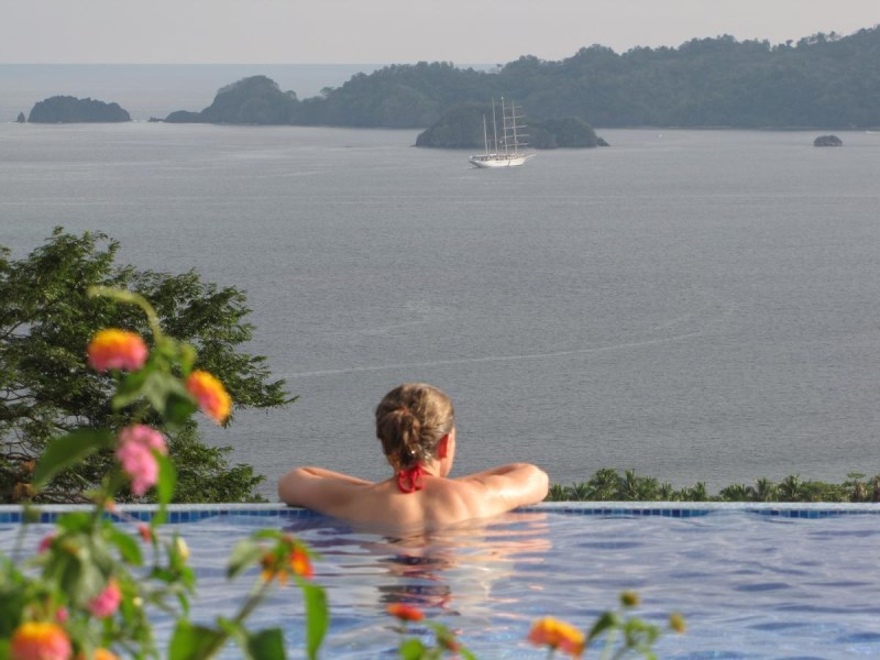 Remax real estate, Costa Rica, Puntarenas, Paquera, Puntarenas: Gorgeous boutique hotel for sale with breathtaking views of Isla Tortuga