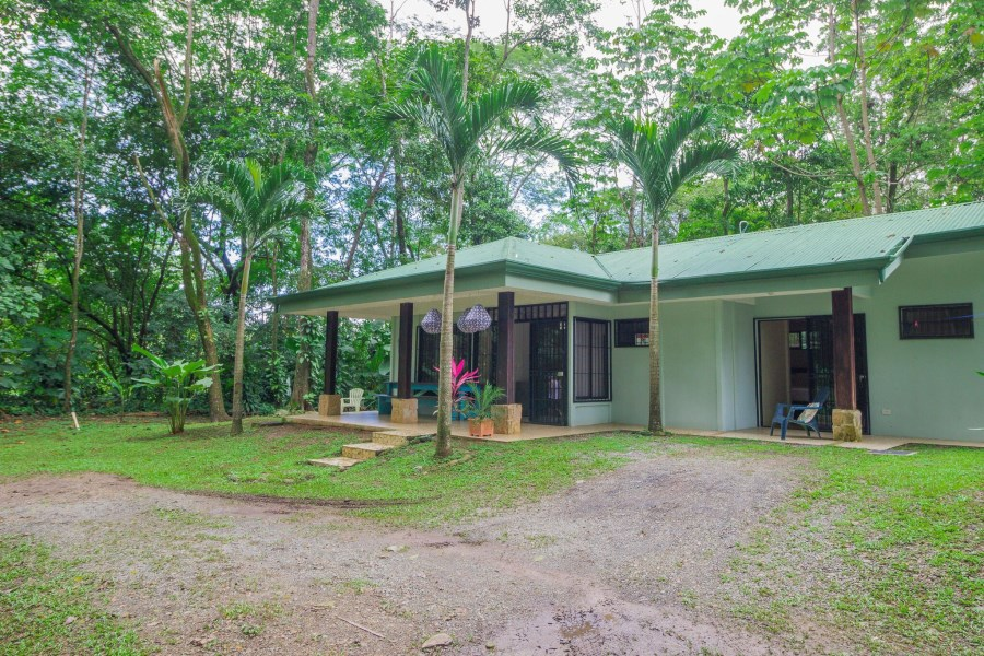 Remax real estate, Costa Rica, Uvita, Price reduction! Uvita: Charming 3-bedroom, 2-bath Costa Rican home for sale at a great price!