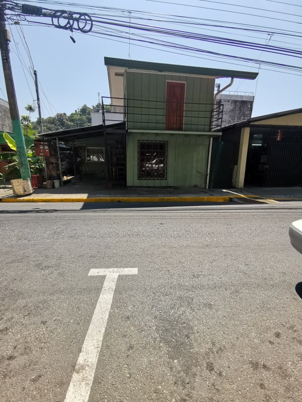 Remax real estate, Costa Rica, Quepos, Quepos centre: Property for sale. Ideal location for tourist business and very attractive sales price