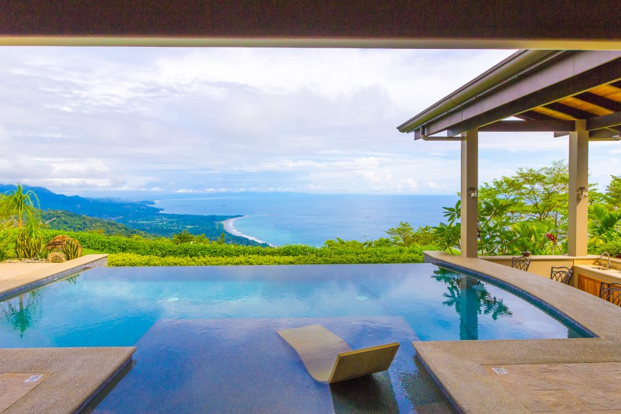 Remax real estate, Costa Rica, Dominical, Escaleras, Dominical: Immaculate 3-bedroom home on 3.2 acres in Costa Verde Estates overlooking the Whale's Tail