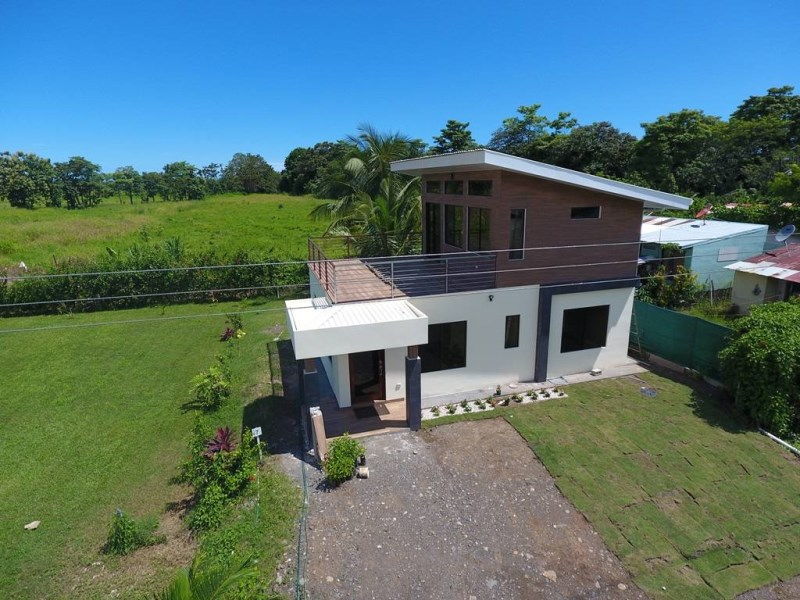 Remax real estate, Costa Rica, Parrita, Parrita, Playa Palma: New 2 bedroom, 2 bath house with large balcony, walk to the beach. Currently under construction, ready in early July