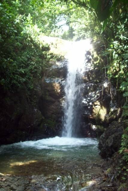 Remax real estate, Costa Rica, Pérez Zeledón, Lot in Perez Zeledon-San Jose de Rivas. This amazing property has spectacular waterfalls with many natural swimming holes. JJ